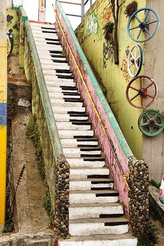 CHILE – Piano keys staircase, Valparaíso, Valparaíso province. The stairs are located on Beethoven and leads up to the corner of Abtao & Pastor Schmidt. https://www.google.ca/maps/place/Piano+Staircase/@-33.0429388,-71.6350979,15z/data=!4m5!3m4!1s0x9689e12ece4c692d:0x90ffc74c7d5f05d4!8m2!3d-33.0429388!4d-71.6263432