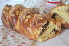 brioche torsadée au chocolat Bagel, Caramel, Baked Potato, Pancakes, Biscuits, Food And Drink, Rolls, Sweets, Ethnic Recipes