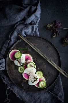 Scallop Crudo with Watermelon Radish, cucumber and Shiso. and a step by step on how to make Crudo, The Italian Version of Sushi- so simple, delicious, and healthy! Raw Fish Recipes, Seafood Recipes, Whole Food Recipes, Dinner Recipes, Sushi Recipes, Watermelon Radish, Cucumber, Shiso Recipe, Dark Food Photography