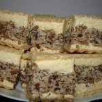 "Prajitura ""Nasa"" - Pentru un musafir mai special - BZI. Sweets Recipes, Easy Desserts, Cake Recipes, Cooking Recipes, Romanian Desserts, Romanian Food, Condensed Milk Cake, Russian Recipes, Diy Food"