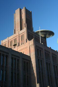 CK Hoofdgebouw NS `De Inktpot` met UFO