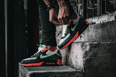 "Nike Air Max 90 Essential – ""Vapor"" 