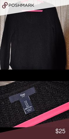 Gap Sweater Slightly worn but no signs of it! Asking price is negotiable!! GAP Sweaters
