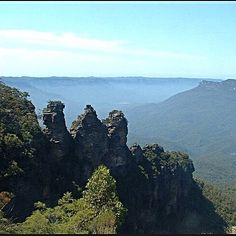 The 'three sisters' Blue mountains, Sydney