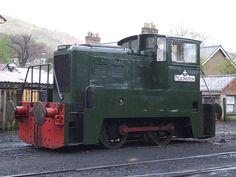 'Yorkshire Engine Co.' D2892 Pilkington in Llangollen loco yard (21/04/2012) | Flickr - Photo Sharing!