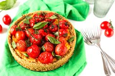 You Can Legit Eat This Savory Cheesecake for Dinner via Brit + Co Raspberry Smoothie, Apple Smoothies, National Cheesecake Day, Savory Cheesecake, Wow Recipe, Sweet Spice, Cooked Carrots, Cupcakes, Savoury Cake