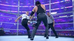 Shane McMahon and The Undertaker clash inside Hell in a Cell with everything on the line. Wwe Wrestlemania 32, Shane Mcmahon, Wwe Pay Per View, Wwe News, The Cell, Undertaker, Wwe Superstars, Sporty, Photos