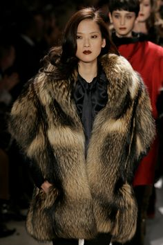 Animal Fur, Japanese Beauty, Furs, Fur Jacket, Sexy Women, Fall Winter, Beautiful Women, Asian, Fur Coats