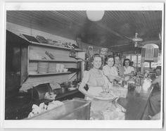 Mrs. Robert's Eat Shop, 1935.
