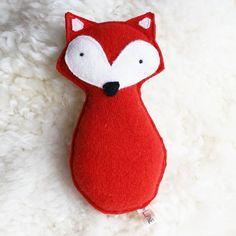 Volpe del giocattolo in feltro di lana media di LupineAndLily