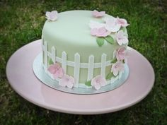 Mothers Day cake by Mina Magiska Bakverk (My Magical Pastries), via Flickr
