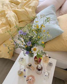 Room Ideas Bedroom, Bedroom Inspo, Bedroom Decor, 1920s Bedroom, Deco Pastel, Pastel Decor, Pastel Purple, Pastel Colors, Pink Yellow