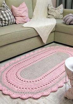 Crochet T Shirts, Crochet Bows, Crochet Pillow, Cute Crochet, Crochet Rug Patterns, Crochet Stitches, Knitting Designs, Crochet Designs, Lace Dream Catchers