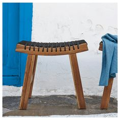 This stool from IKEA is made of hard, durable acacia. It is practical and perfect when you need an extra seating on the terrace or balcony. It is called STACKHOLMEN. Outdoor Stools, Outdoor Tables, Outdoor Lounge, Indoor Outdoor, Ikea Stool, Outdoor Dining Furniture, Ikea Patio Furniture, Lounge Furniture, Patio Dining