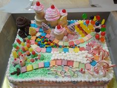 Candyland Cake!!! This is so AMAZING!!! This is by far my favorite cake that I've ever seen...
