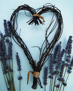 Blog post at driedflowercraft.co.uk - Making a dried lavender wreath from a handmade salim heart.