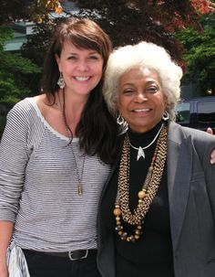 Amanda Tapping & Nichelle Nichols... Full of AWESOME!