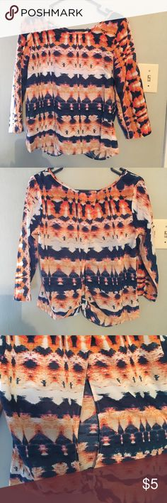 Open back blouse Vibrant print! Pair with denim and heels! Tops Blouses
