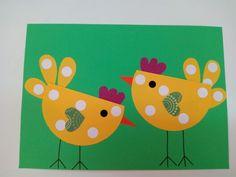 Virkeän pirteät pääsiäistipuset (lataaja: Marteta) Bunny Crafts, Easter Crafts For Kids, Easter Gift, Toddler Crafts, Farm Animal Crafts, Paper Feathers, Chicken Crafts, Diy And Crafts, Paper Crafts