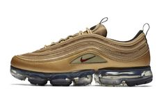 The Nike Air VaporMax 97 Metallic Gold is finally given a release date. Set to drop next week, let's get an official look at the drop.This version of the hybrid Gold Sneakers, Best Sneakers, Air Max Sneakers, Sneakers Fashion, Fashion Shoes, Milan Fashion, Runway Fashion, Fashion Models, Shoes Sneakers
