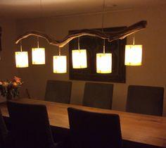 Unieke Plafondlamp van oud verweerde eiken tak en voorzien van 6 echt houtfineer lampenkappen, lekker gezellig bij de lange donker avonden. Kom, en kijk in onze webshop. https://www.etsy.com/people/gbhnatureartnl