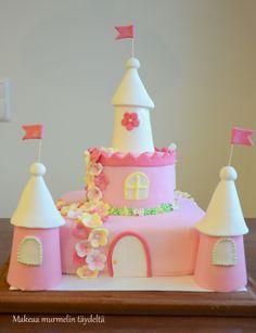 pink fairytale castle cake