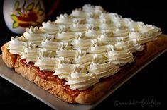 prajitura rasturnata cu caise Facebook Recipe, Deserts, Pie, Cooking Recipes, Sweets, Caramel, Torte, Sticky Toffee, Cake