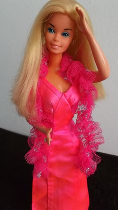 https://flic.kr/p/nrETbz | SUPERSTAR BARBIE 1976 | SUPERSTAR BARBIE IN ORIGINAL DRESS.