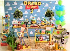 43 ideas de decoración fiesta cumpleaños Toy Story Toy Story Theme, Toy Story 3, Toy Story Party, First Birthday Party Themes, Toy Story Birthday, Birthday Party Decorations, Pool Toys And Floats, Festa Toy Store, Toy Story Decorations