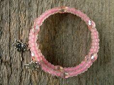Armbänder - Hündchen Armband Pink Memory Draht Armband - ein Designerstück von SalixCinerea bei DaWanda