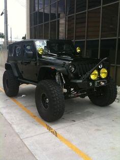Jeep es un coche el vehículo deportivo utilitario