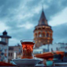 Reflection of Galata Tower in a ince belli (thin-waisted). (via Instagram - visit_istanbul_official) #turkey #türkiye #istanbul #galata #karaköy #galatatower #galatakulesi #tea #çay #turkishtea #türkçayı #incebelli #thinwaisted
