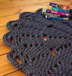 Crochet rug - ihanitse.etsy.com