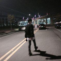 Hunnam hunnyeo🌱 Req pict hunnam or hunyeo,vsco tutorial ala hunnam hunyeo,good food comment and vote. Korean Boys Ulzzang, Cute Korean Boys, Ulzzang Couple, Ulzzang Boy, Asian Boys, Cute Boys, Night Aesthetic, Aesthetic Boy, Grunge Style