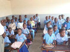 School children in the classroom, Republic of the Congo ◆Republic of the Congo - Wikipedia https://en.wikipedia.org/wiki/Republic_of_the_Congo #Republic_of_the_Congo