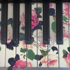 Vintage Piano Keys *0*