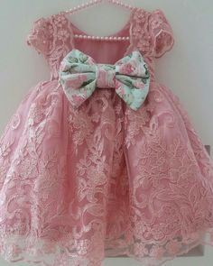 Gowns For Girls, Little Girl Outfits, Little Girl Fashion, Little Dresses, Little Girl Dresses, Pretty Dresses, Kids Outfits, Kids Fashion, Girls Dresses