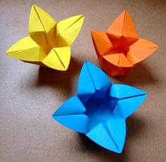 origami flower bowl - one round piece of paper -  creator:evi binzinger -  paper: round -  diagrams: no -