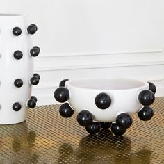 KELLY WEARSTLER | POP BOWL. Ceramic white and black bowl, hand sculpted in Italy.