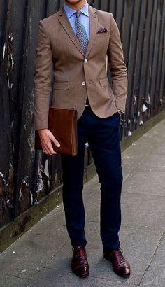 Guide to Men's Cocktail Dress Code Men's cocktail attire might sound casual in spirit, but it's actu Business Attire For Men, Men's Business Outfits, Mens Fashion Suits, Mens Suits, Smart Casual, Men Casual, Formal Men Outfit, Formal Outfits, Men Formal