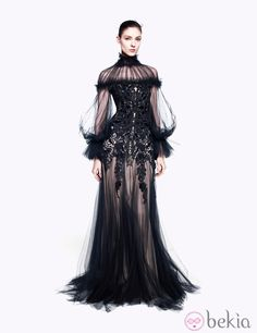 Magical Dresses to Swoon Over From the Alexander McQueen Pre-Fall 2012 Collection Alexander McQueen Pre-Fall 2012 This much black isn't my style but SO dramatic!Alexander McQueen Pre-Fall 2012 This much black isn't my style but SO dramatic! Fashion Moda, Look Fashion, High Fashion, Fashion Show, Fashion Design, Fashion Hair, Paris Fashion, Fashion Beauty, Couture Mode