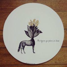 """ Me dijeron que pidiera un deseo "" posa calientes pieza única #Himallineishon #homedecor #handpainted #horse #flower #fantasy"