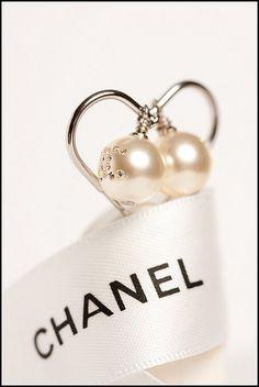 adorablelife:    nyczebra:    fashionworthy:    chanel earrings