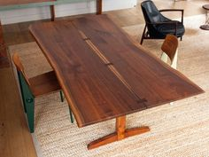 Mid-Century Modern George Nakashima Trestle Dining Table with Rosewood Butterfly Joints For Sale Communal Table, Trestle Dining Tables, Extendable Dining Table, Dining Table In Kitchen, Dining Rooms, Wood Tables, Kitchen Nook, Wood Crafts Furniture, Home Deco Furniture