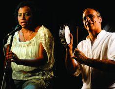 O projeto Conversa com Verso recebe dia 28 de Setembro (sábado) às 16h, no Centro Cultural Aúthos Pagano, a cantora Carmen Queiroz e o sambista e compositor, Teroca. A entrada é Catraca Livre.