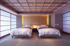 かつうら御苑 【天 -Ten-】コーナースイート4名定員(和歌山県)のご紹介 - 「おもてなし.com」ホテル・温泉旅館など国内旅行で高級・特別なおもてなし宿をお探しなら宿泊予約検索サイト「おもてなし.com」 Modern Japanese Interior, Modern Interior, Interior Styling, Interior Design, Home Bedroom, Master Bedroom, Japan Room, Japanese House, Bed Frame