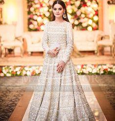 Minal khan her sister walima look Pakistani Fancy Dresses, Pakistani Wedding Outfits, Pakistani Bridal Wear, Pakistani Bridal Dresses, Pakistani Wedding Dresses, Pakistani Dress Design, Bridal Outfits, Indian Dresses, Indian Outfits