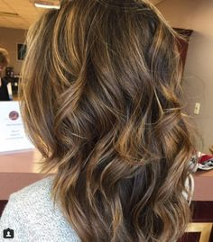 18 honey highlights ideas you should check for warm brown hair color Brunette Hair Color With Highlights, Hair Color Streaks, Honey Highlights, Hair Highlights, Warm Brown Hair, Light Brown Hair, Brown Hair Colors, Hair Color For Fair Skin, Cool Hair Color