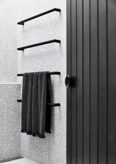 Gallery of The Carlton House / Tom Robertson Architects - 13 - Badezimmer Amaturen Laundry In Bathroom, Bathroom Towels, Small Bathroom, Master Bathroom, Black Bathrooms, Bathroom Ideas, Bathroom Taps, Bathroom Renovations, Bathroom Towel Hanger