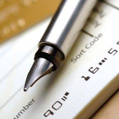 Interesting - The 7 bank accounts every family should have. It will help you budget, organize your life, and save your family HUNDREDS. I'm not sure all 7 would make sense for our family, but there are at least 5 that I think are a great idea! Saving Ideas, Money Saving Tips, Money Tips, Money Savers, 7 Bank Accounts, Savings Accounts, Savings Bank, Konmari Methode, Mrs Always Right